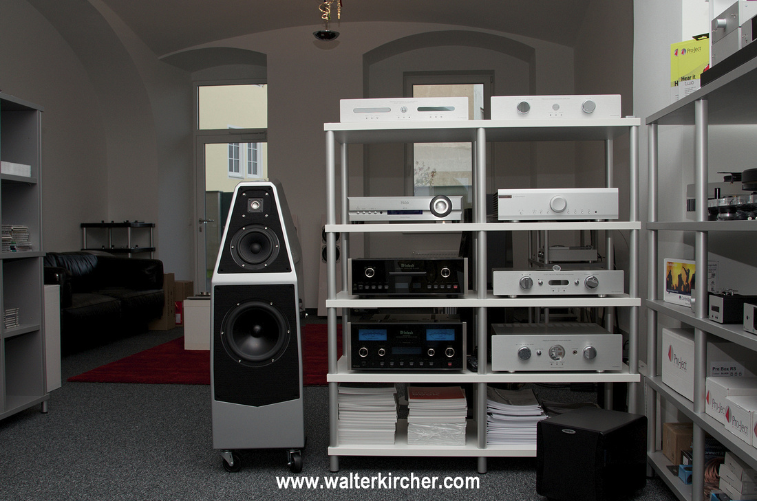 Sambs Hifi Linz, Austria has everything in stock from Accustic Arts - the ES range, the top line and the reference line.