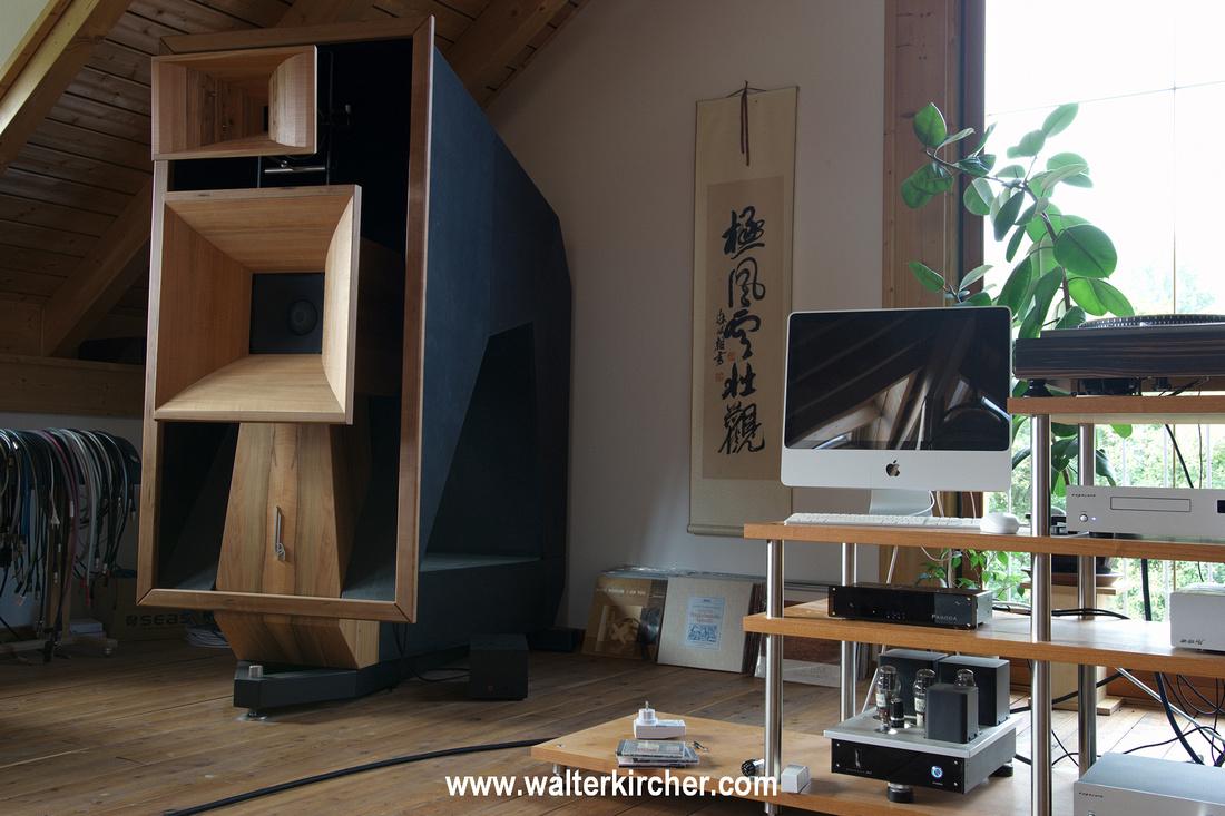 Blumenhofer Acoustics showroom: Wiki - 2-way flagship horn loudspeaker with 103dB sensitivity