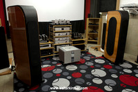 Hanzelaudio, Komarno: Opera Malibran speakers; electronics from Accustic Arts, Bob Carver and PS Audio