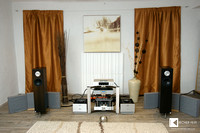 Austrian Ichos Audio high efficiency speakers in 2nd room