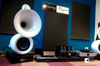 Vienna Physix Diva grandezza horn speakers