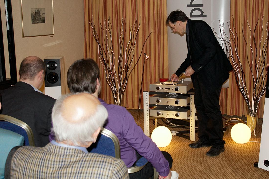 Dr. Ludwig Flich from Klangbilder demonstrating...