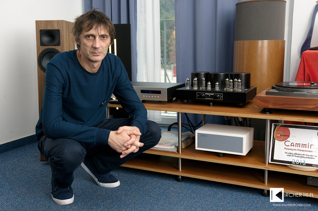 Sasa Kocic in front of setup using his amplifier