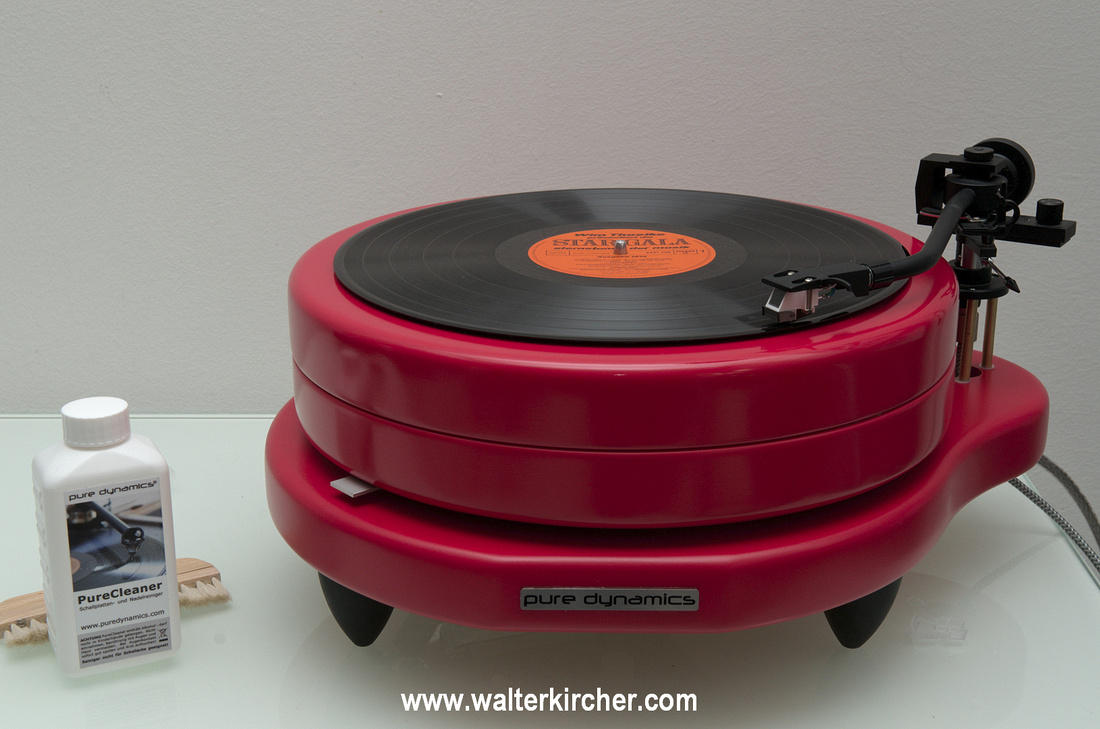 Pure Dynamics PureGroove turntable in Raspberry color