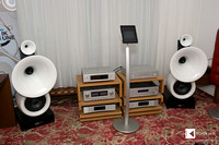 Klangbilder 2014: new Vienna Physic Diva grandezza - impressive, good looking new horn speakers from Austria